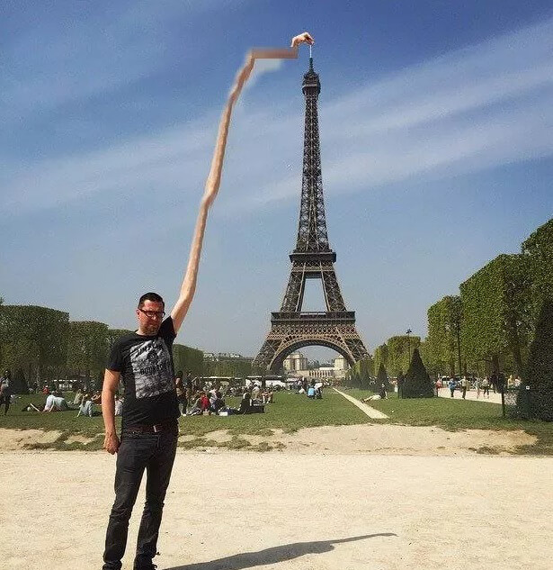 eifel-tower-finger-2